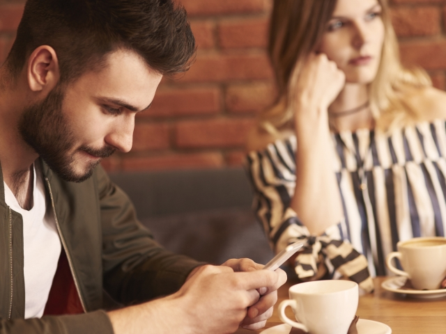 Are mobile phones hampering our relationships