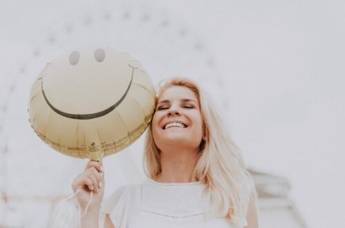 HOW TO AVOID DEPRESSION AND BE HAPPY